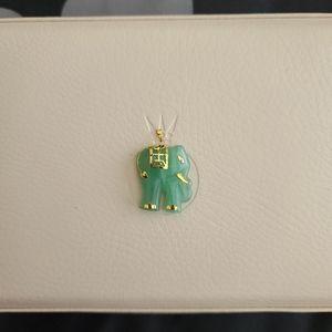 Jewelry - Gold Jade elephant pendant
